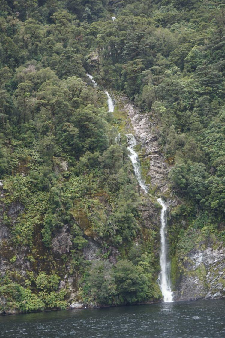 15 doubtful sound wasserfall